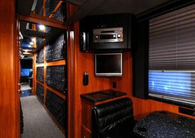 Black+N+Blue+Rear+Lounge+Forward