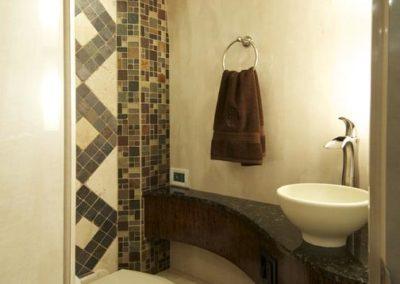 Cabaret+Rear+Bathroom