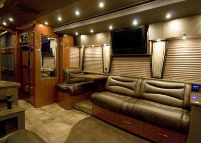 Miss+Behavin+Front+Lounge+Side_1_