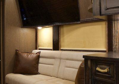 Razorback-Front+Lounge+1